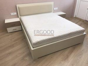 Продажа кроватей из дерева